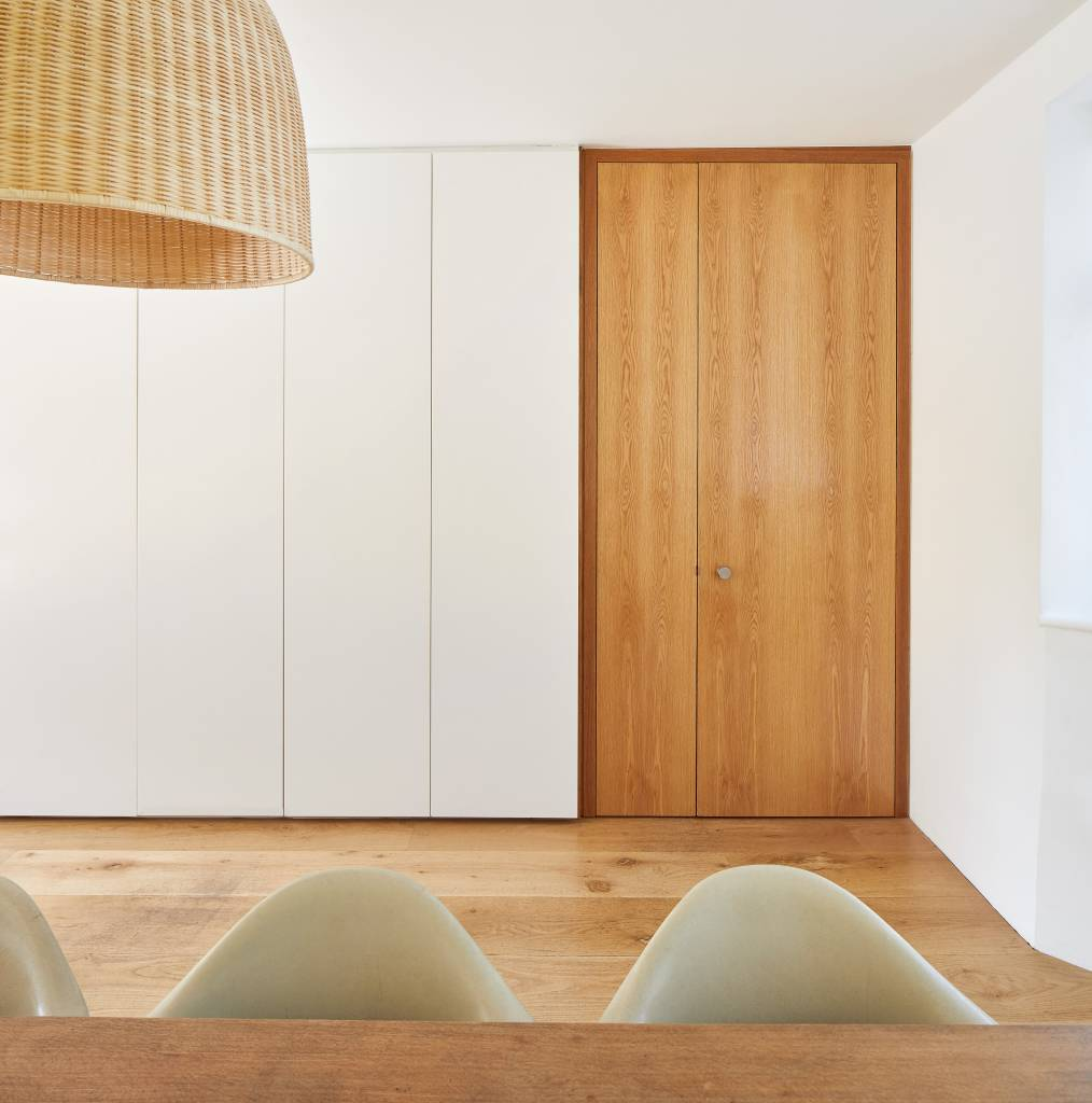 Hover House, a house inWest London. Detail of the new oak double doors