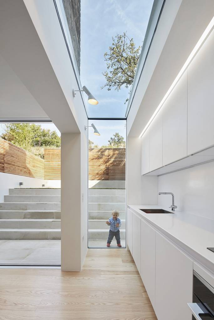 house-extension, london-house, victorian-house, glass-extension, London, Natural-light, Glass-sliding-doors, Glass-roof, white-kitchen