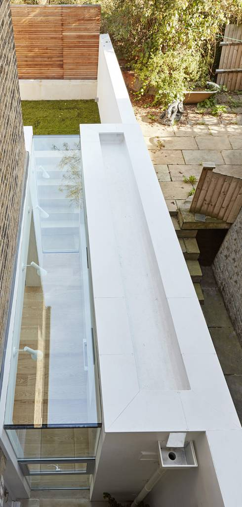 house-extension, london-house, victorian-house, glass-extension, London, Natural-light, Glass-sliding-doors, Glass-roof, white-roof